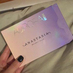 """Anastasia """"Aurora"""" Glow Kit"""